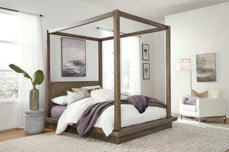 Akemi Canopy Bed